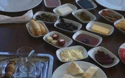 Anıl Ayaz Kahvaltı salonu